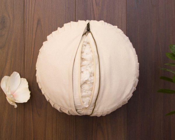 Cottoned-meditation-cushions-filled-with-organic-cotton-zafu-stuffing-detail